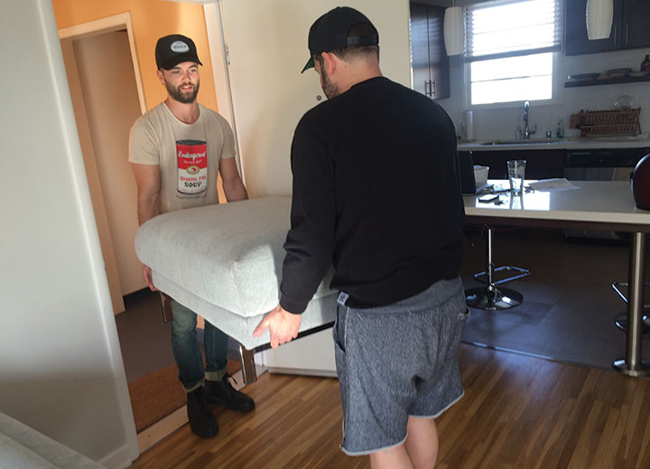 Actor Kayde and Ali team up to take care of Rushy's house move