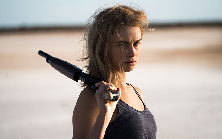 Lucy Fry as Eve Thorogood
