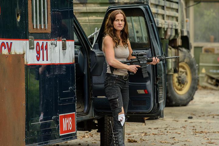 Van Helsing stars Kelly Overton as Vanessa Helsing